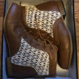 Women's Size 8 Cognac Tie Up Ankle Boots